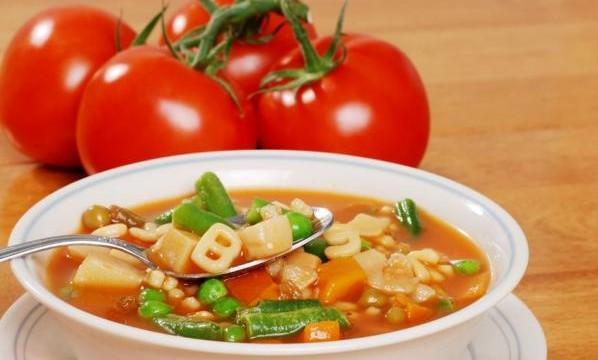 Zupa jarzynowa minestrone