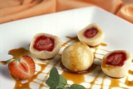 Szybko i szlachetnie – Knedle z truskawkami z sosem anyżowo-karmelowym