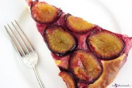 Wilgotne ciasto śliwkowo-cynamonowe