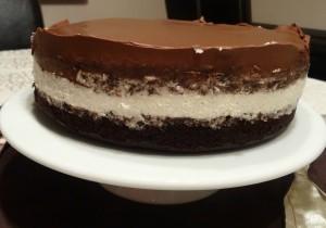 Tort mocno czekoladowy z kremem Baileys
