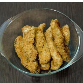 Prosty przepis na soczyste polędwiczki z kurczaka w krakersach