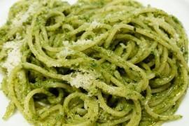 Spaghetti z kremowym sosem z awokado
