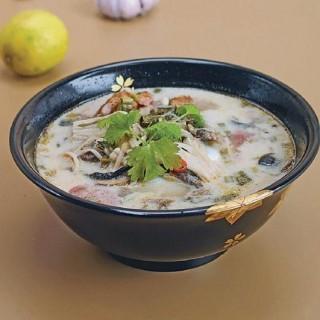 Tom kha gai – kokosowa zupa z kurczakiem