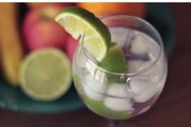 Błyskawiczny drink na imprezę – CAIPIROSKA