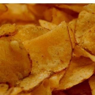 Chrupiące chipsy domowej roboty