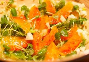Sałatka z chorizo i pomarańczą