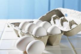 Jak obrać jajko gotowane na twardo w 10 sekund?
