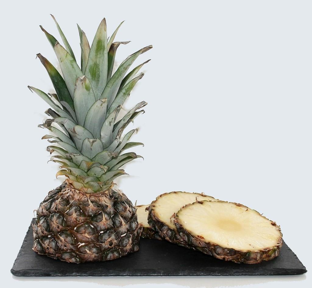 pineapple-627290_1280