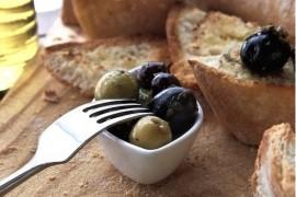 Brushetta z oliwkami