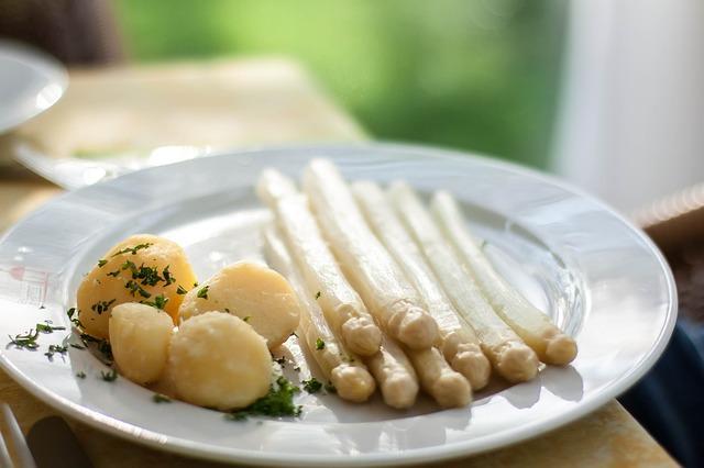 asparagus-250360_640