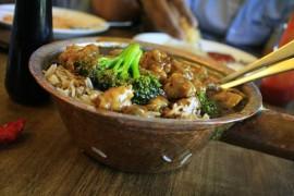 Ryż z wołowiną i brokułami po chińsku