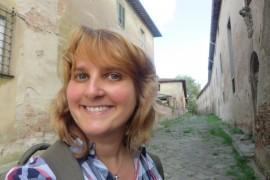 """Kulinarna podróż po Toskanii – rozmowa z Aleksandrą Seghi, autorką """"Fanklubu bułeczek z rozmarynem"""""""