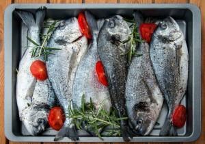 Dlaczego warto jeść ryby? Poznaj 7 ważnych powodów