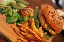 Gdzie można zjeść najlepszego hamburgera w Warszawie?