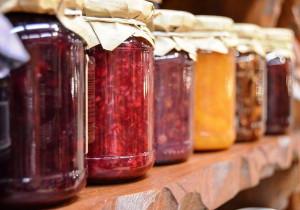 8 dodatków, które wzbogacą smak DOMOWYCH PRZETWORÓW