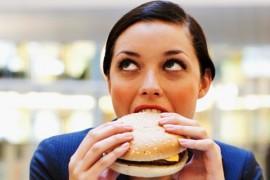 8 produktów spożywczych, które najszybciej UZALEŻNIAJĄ!