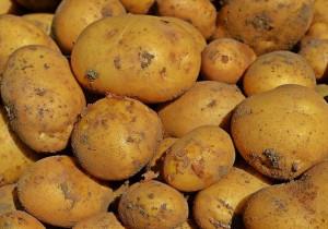 MAGICZNY trik, który ułatwia obieranie ziemniaków