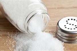 8 produktów, które zawierają NAJWIĘCEJ soli!