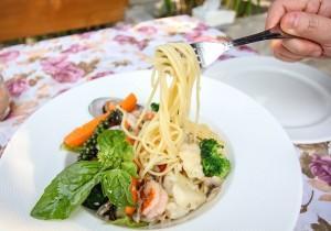 Spaghetti z krewetkami i warzywami