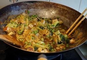 Zielony WOK: z groszkiem, brokułami i cukinią!