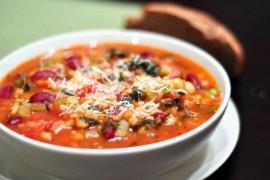 Minestrone – rozgrzewająca włoska zupa