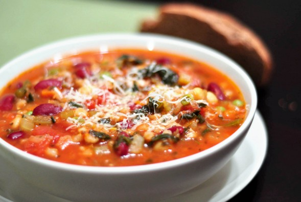 minestrone-soup-589x395