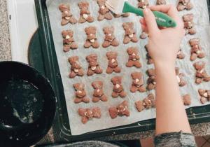 Ciasteczka migdałowe w kształcie misiów
