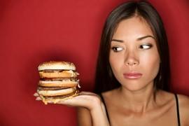5 poważnych powodów, dlaczego NIGDY więcej nie powinniście jadać FAST FOODÓW!