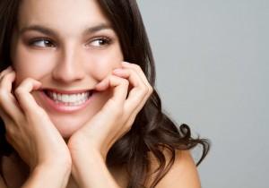 Jakie naturalne produkty poprawiają stan zębów i dziąseł? Oto 6 z nich