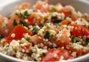 Kuskus z warzywami i kiełbasą