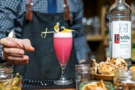 Karnawałowy drink – New Year's Fizz – wstrząśnięty, nie zmieszany