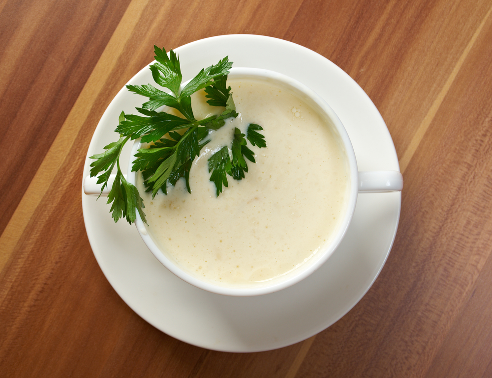 bowl of creamy cauliflower soup