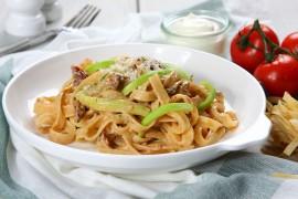 Walentynkowa kolacja wg. Pascala Brodnickiego – Tagliatelle z cukinią i suszonymi pomidorami
