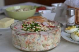 Tradycyjna sałatka jarzynowa – idealna na Wielkanoc!