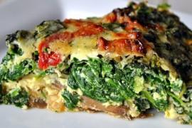 Omlet ze szpinakiem, kurkumą i marchewką