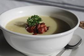Zupa krem z ziemniaka z dodatkiem boczku