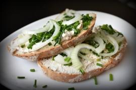 Twarożek ze szczypiorkiem – idealny na kanapki