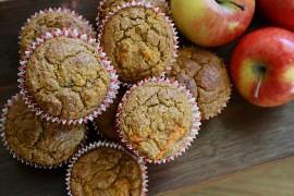 Świąteczne muffiny z jabłkiem, makiem i cynamonem