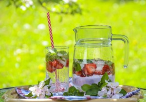 Lemoniada truskawkowo-rabarbarowa