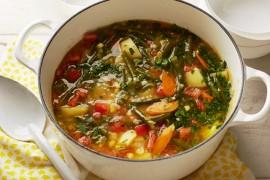 Wiosenna zupa z młodej włoszczyzny