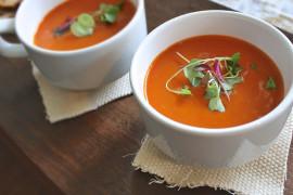 Jesienny krem z pomidorów z dodatkiem pieczonej dyni