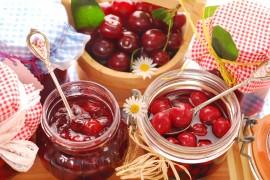 Domowy dżem wiśniowo-porzeczkowy