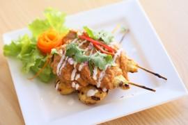 Satay z kurczaka w orzechowym sosie