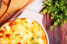 Zapiekanka z makaronu i sera pleśniowego