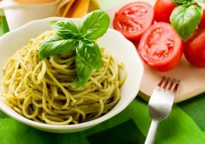 Spaghetti z sosem groszkowym