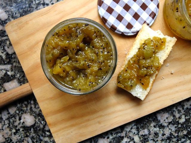 kiwi-apple-and-cinnamon-jam