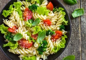 KUCHNIA DLA STUDENTA: makaron z brokułami, pomidorami i serem mascarpone
