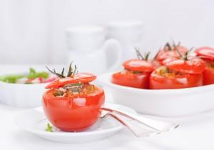 Nadziewane pomidory z tuńczykiem, parmezanem i fasolką szparagową