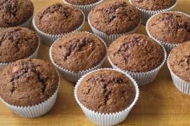 Babeczki czekoladowe ze SNICKERSEM w środku!