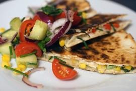 Serowa quesadilla z warzywami